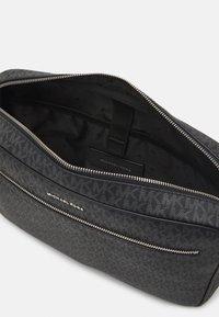 Michael Kors - CAMERA BAG UNISEX - Briefcase - black - 3