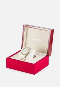 Salvatore Ferragamo - UNISEX - Watch - silver-coloured/gold-coloured - 4