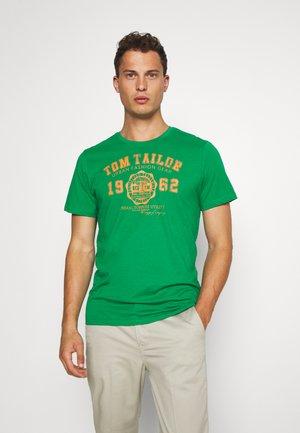 LOGO TEE - Print T-shirt - jolly green