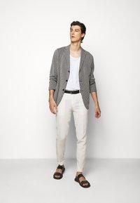Boglioli - Blazer jacket - dark blue/white - 1
