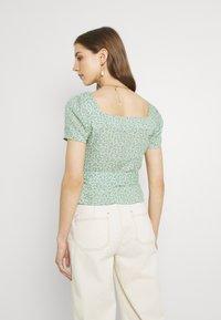Trendyol - Camiseta estampada - multi color - 2