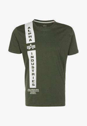 DEFENSE - Print T-shirt - dark olive