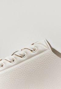 Massimo Dutti - Sneakersy niskie - beige - 7