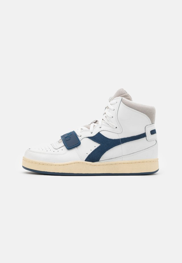 MI BASKET USED UNISEX - Sneakers hoog - white/paloma/dark denim