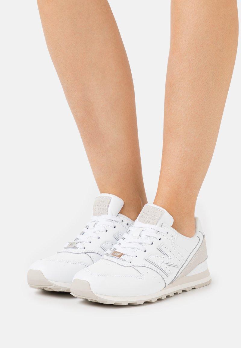 New Balance - WL996 - Sneakers - white