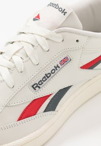 Reebok Classic - CLUB REVENGE - Trainers - chalk/vector red/true grey - 5