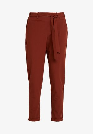 JILLIAN BELT PANT - Bukse - cherry mahogany