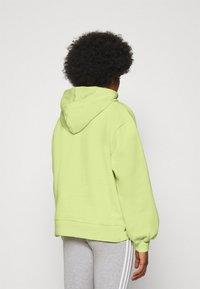 adidas Originals - HOODIE  - Mikina - semi frozen yellow - 2