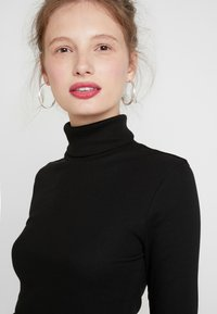Weekday - VERENA TURTLENECK - T-shirt à manches longues - black - 4