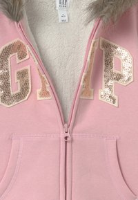 GAP - GIRL LOGO COZY  - Mikina na zip - pure pink - 3