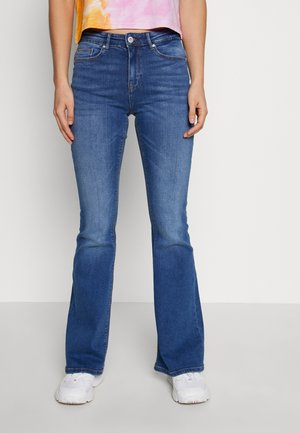ONLPAOLA MID RETRO  - Vaqueros pitillo - medium blue denim