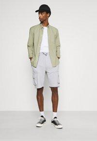Solid - Shorts - light grey melange - 1