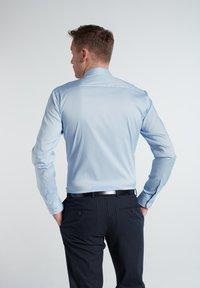 Eterna - SLIM FIT - Formal shirt - hellblau - 1