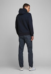 Jack & Jones PREMIUM - JPRBLUTOM HIGH NECK HOOD  - Sweat à capuche - navy blazer - 2