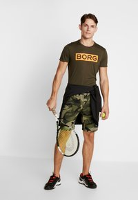 Björn Borg - TEE ATOS - T-shirt med print - forest night - 1