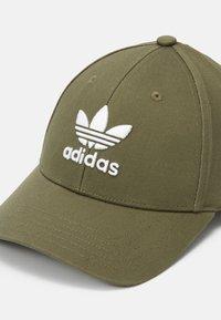 adidas Originals - BASE CLASS UNISEX - Caps - khaki - 3