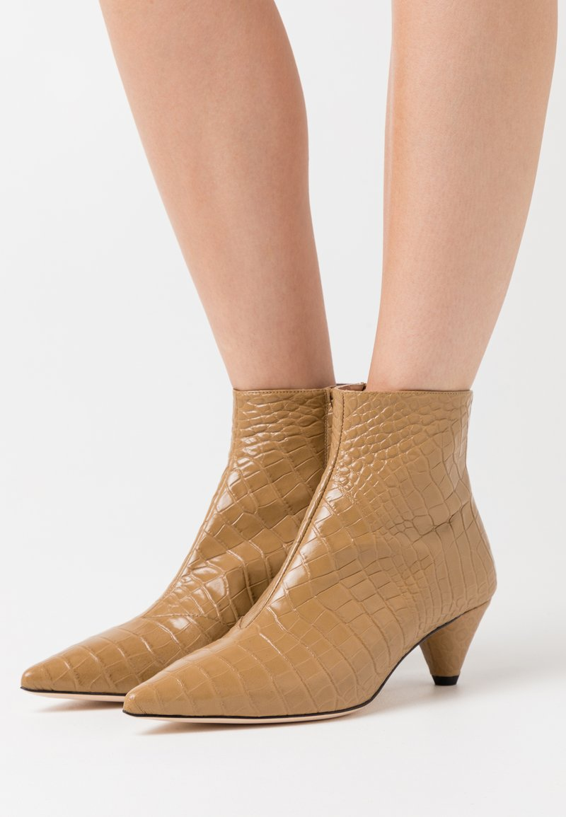 Joseph - Classic ankle boots - beach