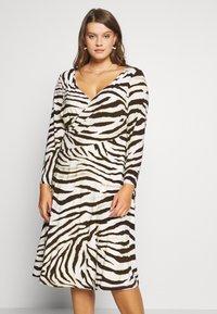 Lauren Ralph Lauren Woman - POLLY DAY DRESS - Jersey dress - cream/brown - 0