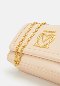 Love Moschino - SCARFED SHOULDER BAG - Across body bag - naturale/nude - 5