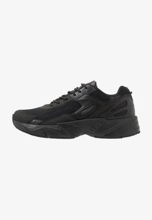 BOIZ - Neutrální běžecké boty - black