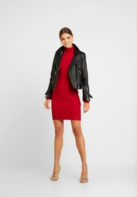 Morgan - RMENTO - Robe pull - tango red - 2