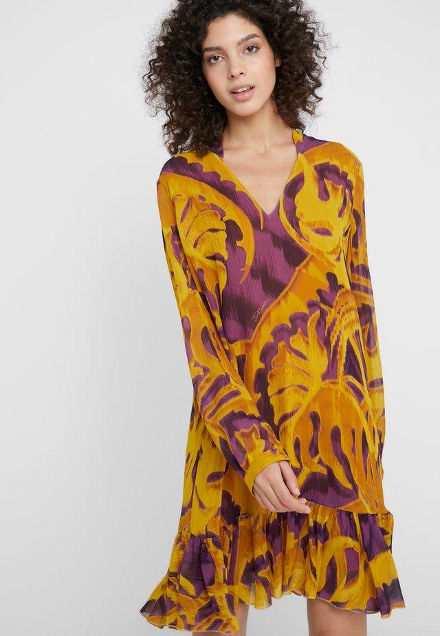 Korte jurk - gold variant