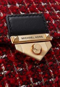 MICHAEL Michael Kors - SOHOSM CHAIN - Across body bag - bright red - 4