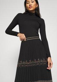 Desigual - FAL MURRAY - A-line skirt - black - 3