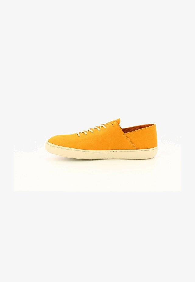 BASSES CUIR REBEKI - Sneakersy niskie - jaune