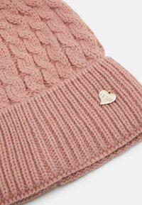 Guess - Beanie - rosewood - 2