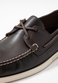 Sebago - DOCKSIDES PORTLAND - Boat shoes - dark brown - 5