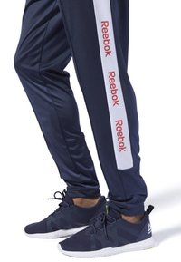 Reebok - TRAINING ESSENTIALS LOGO TRACKSTER PANTS - Tracksuit bottoms - blue - 3