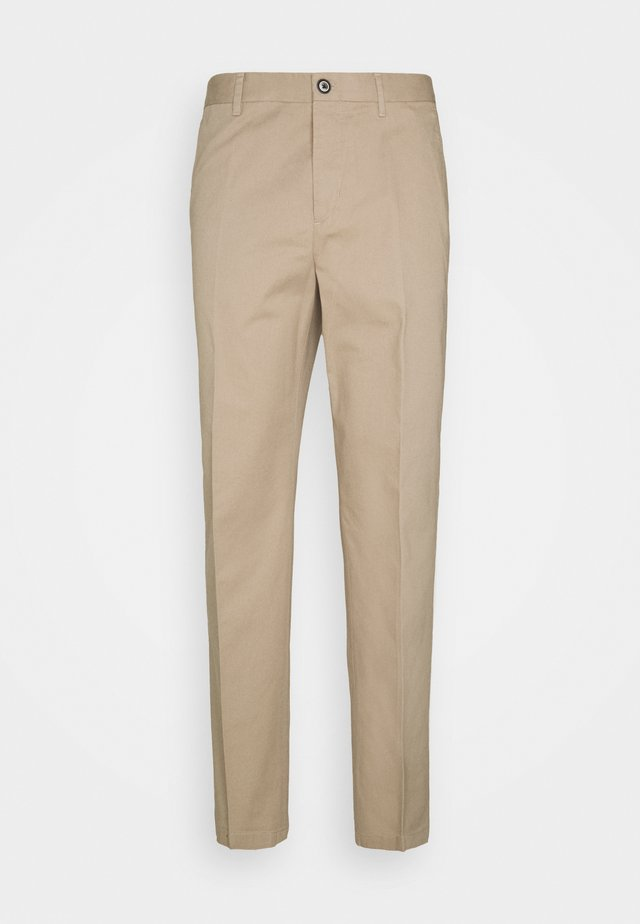 WILLIAM COTTON TROUSER - Kalhoty - desert tau