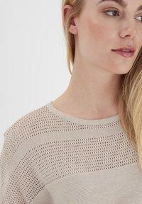 Fransa - ZUCOT  - T-shirts print - tile sand - 4