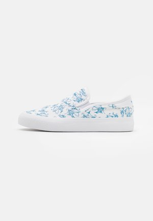 3MC X DISNEY SPORT GOOFY UNISEX - Slip-ons - footwear white/light blue