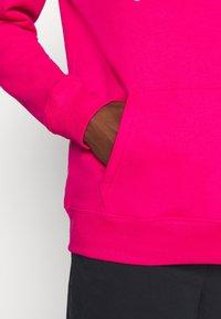 GAP - Bluza z kapturem - lipstick pink - 5