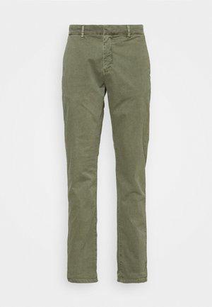 BRUCE - Kalhoty - khaki
