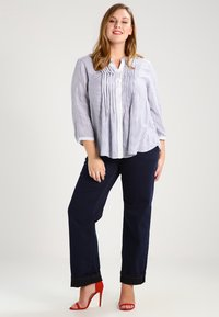 Zizzi - GEMMA - Straight leg jeans - blue denim - 1