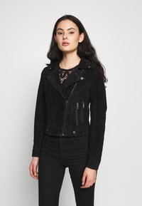 Vero Moda - VMROYCESALON SHORT JACKET - Leather jacket - black - 0