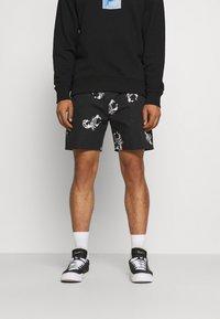 Blood Brother - BEACHMONT SHORTS - Shorts - rich black - 0