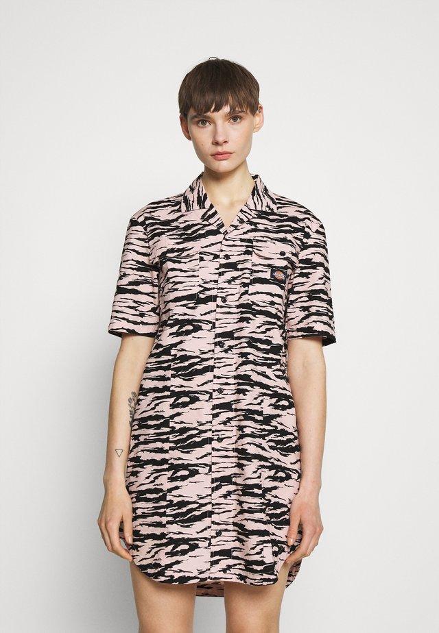 PILLAGER DRESS - Sukienka letnia - light pink