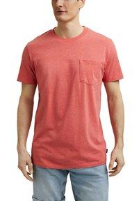 Esprit - SLIM FIT - Basic T-shirt - coral red - 5