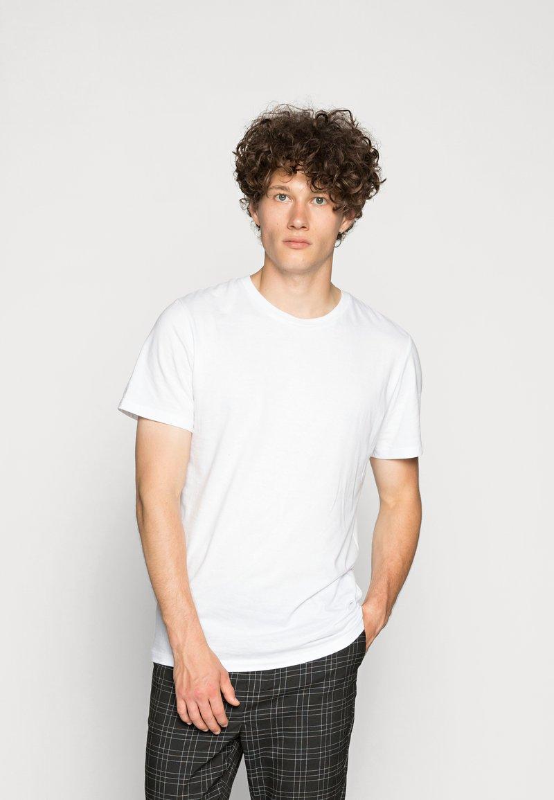 Jack & Jones - JORBASIC 5 PACK  - T-shirt basic - only white