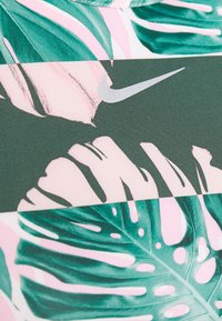 Nike Performance - FAST TANK RUNWAY - Tekninen urheilupaita - pink/silver - 5