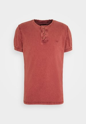 CAMILLO - Basic T-shirt - red