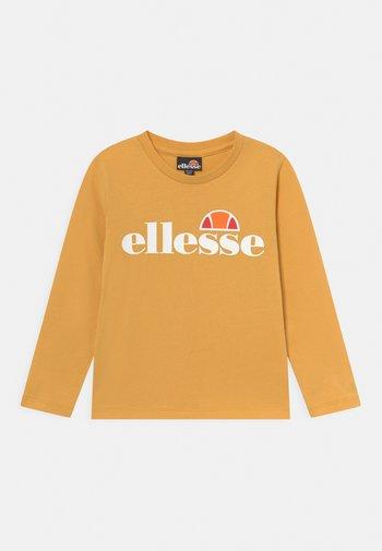 MERNETO - Maglietta a manica lunga - yellow