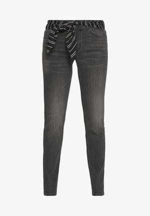 TROUSER MID WAIST REGULAR LENGTH BELT SCARF - Jeans slim fit - grey softwear wash