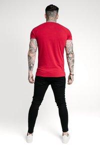 SIKSILK - IMPERIAL RAGLAN GYM TEE - Basic T-shirt - dark red - 2