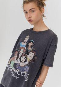 PULL&BEAR - DISNEY - Print T-shirt - black - 3