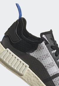 adidas Originals - NMD_R1 - Matalavartiset tennarit - dash grey/core black/glory blue - 8